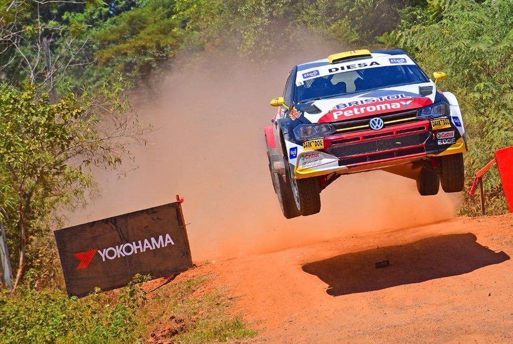 Gustavo Saba domina con mano de hierro la primera etapa del Petrobras Rally de Santaní